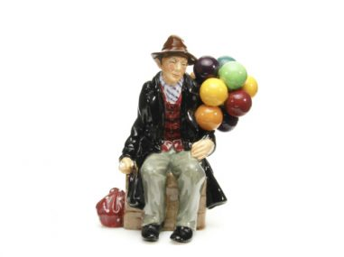 360-degree-spin-product-photography-The-Balloon-Man-by-Royal-Doulton