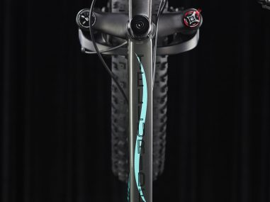 360-degree-spin-product-photography-fat-bike-closeup-down-tube-2